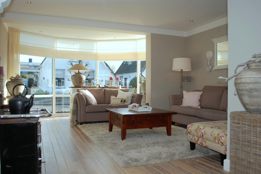 Ontwerp twee onder een kap in landelijke stijl maison belle for Kleuren woonkamer landelijk