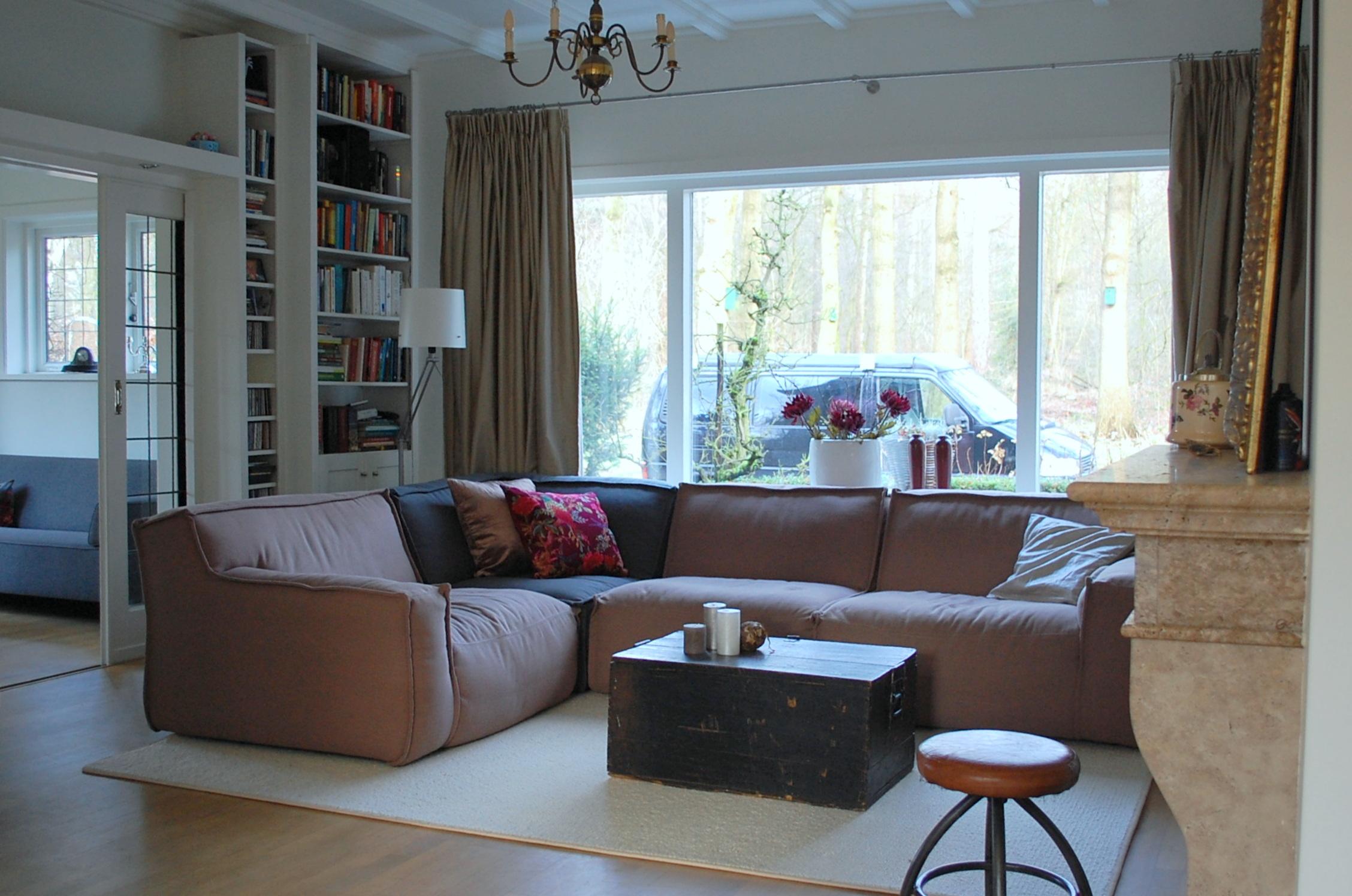 Idee grote gordijnen ramen - Idee deco kleine woonkamer ...