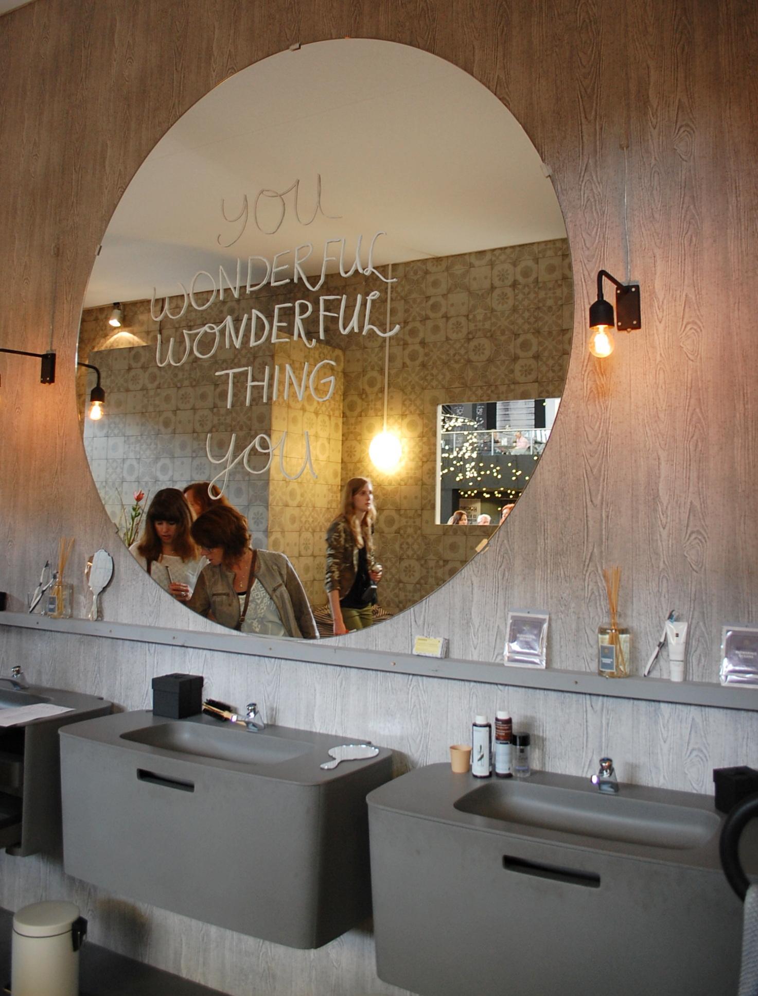 5 praktische tips gebruik de woonbeurs inspiratie in je eigen huis maison belle - Spiegel eetkamer voor bahut ...