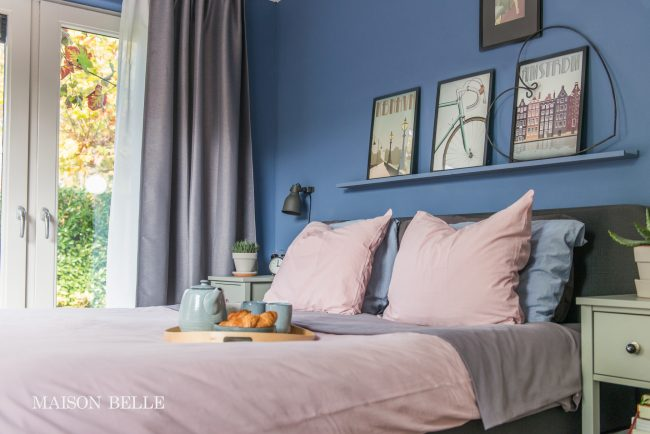 Slaapkamer makeover met blauwe muren maison belle - Blauwe en grijze jongens kamer ...